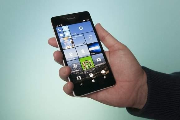Microsoft wycofuje aktualizację Windows 10 Mobile dla nowych Lumii