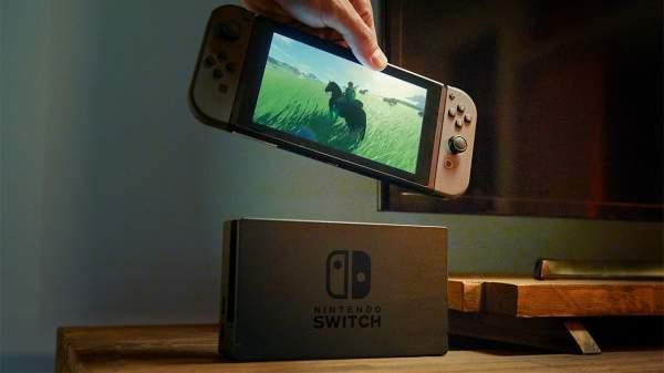 Nintendo nie ma zamiaru bezpośrednio konkurować z markami PlayStation i Xbox. Switch to przenośna konsola z opcją podłączenia do telewizora