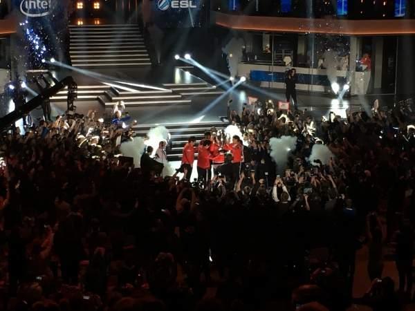 Po raz kolejny to w Polsce odbył się finał mistrzostw Intel Extreme Masters. Do Katowic zawitało ok. 100 tys. ludzi