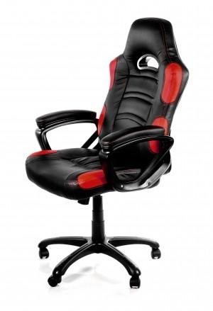 Test fotela gamingowego dla graczy Arozzi Enzo