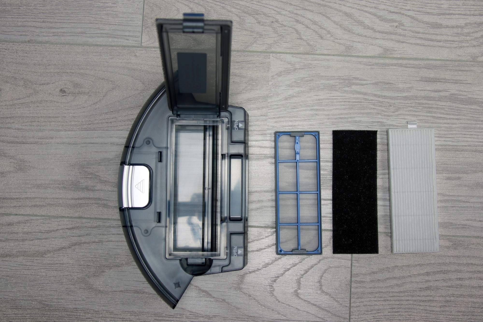 Trzyelementowy zespół filtrujący modelu A8 jest łatwy do rozłożenia.