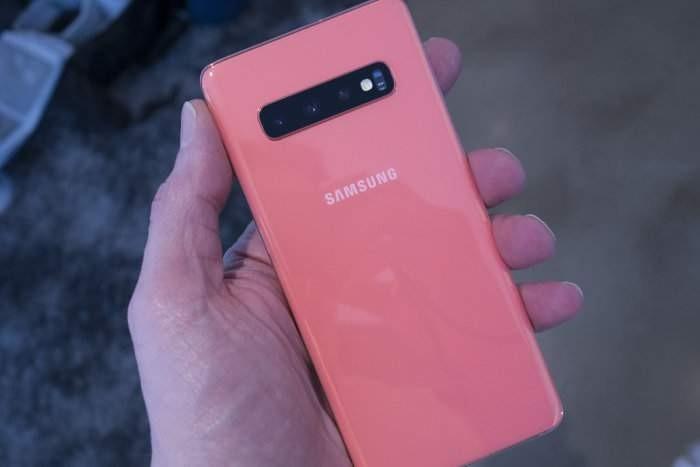 S10 w kolorze Flamingo Pink