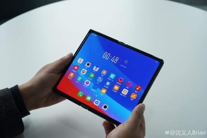 MWC 2019: Oppo mówi, że na składane smartfony za wcześnie i... pokazuje swój prototyp