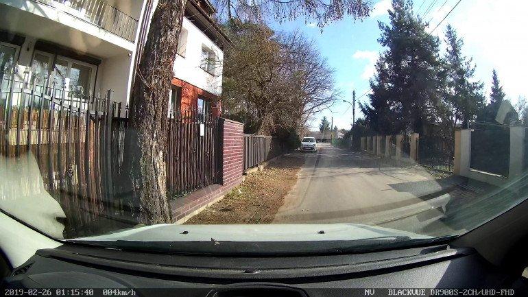 Obraz z kamery przedniej