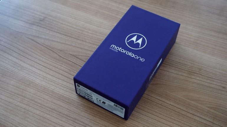 Motorola One Vision - test średniaka z Android One i ekranem 21:9