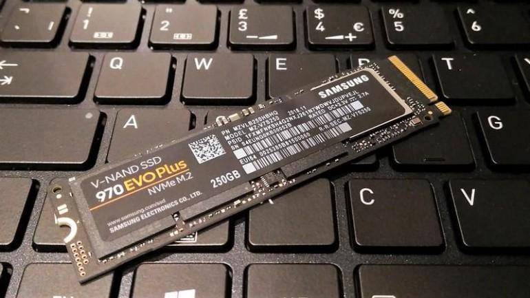 Apple obniża ceny pamięci masowej w komputerach Mac