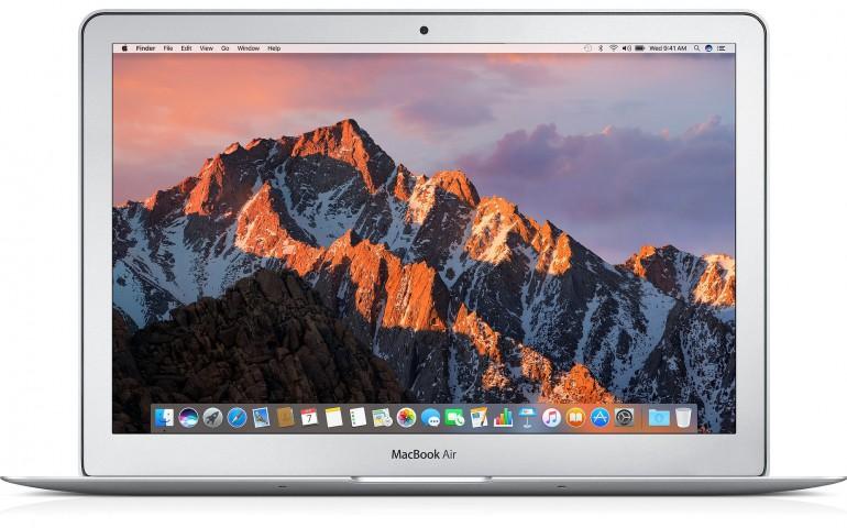 Klasyczny MacBook Air - na zdjęciu model z 2017 roku, ale równie dobrze mógłby to być egzemplarz z 2010 roku Źródło: Apple