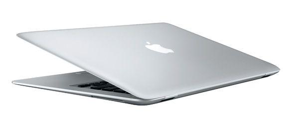 MacBook Air pierwszej generacji z początku 2008 roku Źródło: Macworld