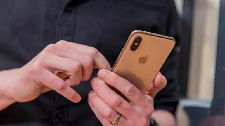 Czy możesz podłączyć swój iPhone do projektora