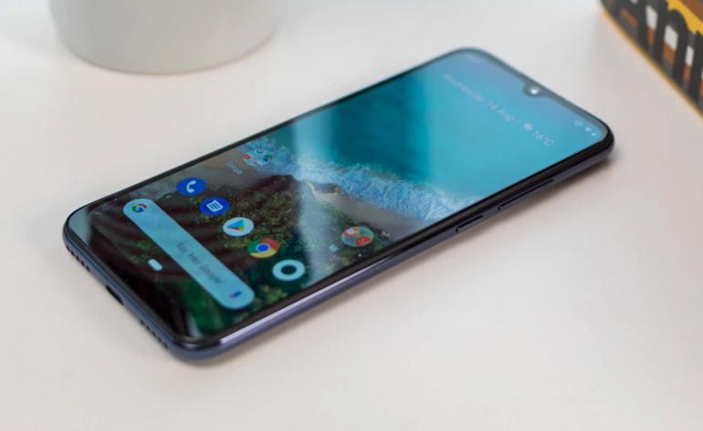 Xiaomi Mi A3 - test średniaka z czystym Androidem i wydajną baterią