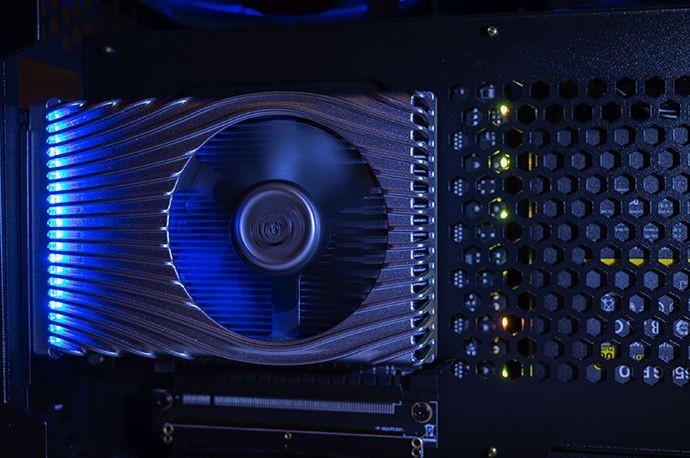 Intel wysyła pierwsze karty graficzne Xe do deweloperów