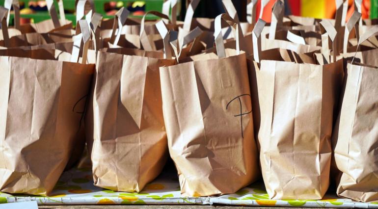 Koronawirus a zakupy spożywcze online. Sprawdzamy, z których usług warto skorzystać