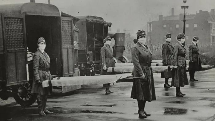 Karetki Czerwonego Krzyża w St. Louis Red podczas epidemii (1918 r.).  Źródło: Universal History Archive/UIG/Getty Images
