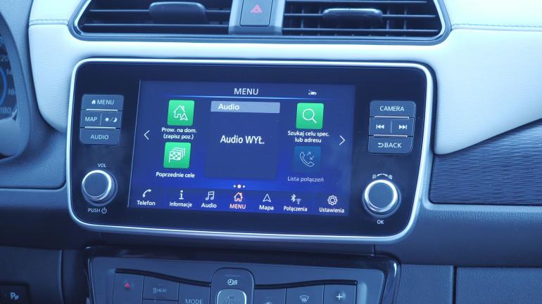 Apple CarPlay i Android Auto bardziej rozpraszające, niż pisanie SMS'a!