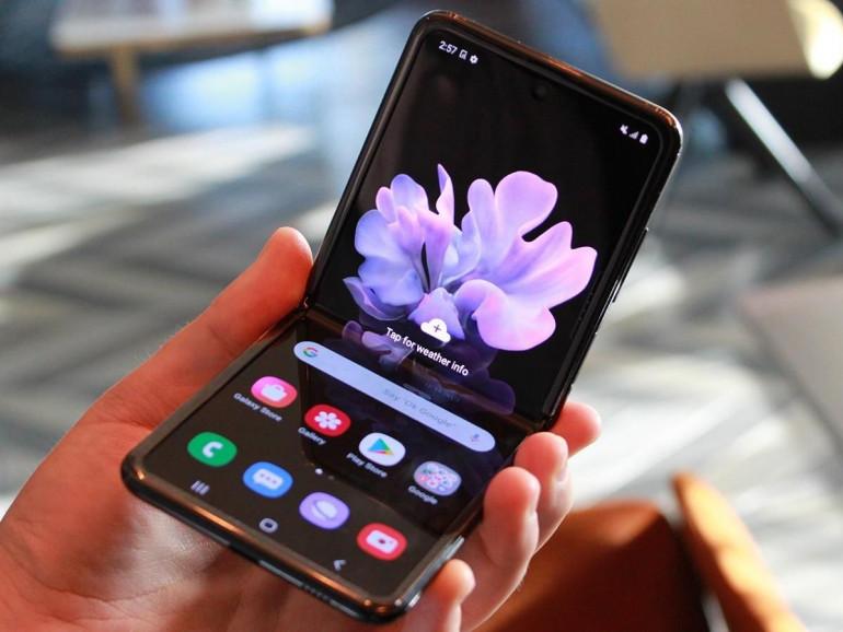 Galaxy Z Flip - Samsung pokazuje, jak działa zawias Hidaway