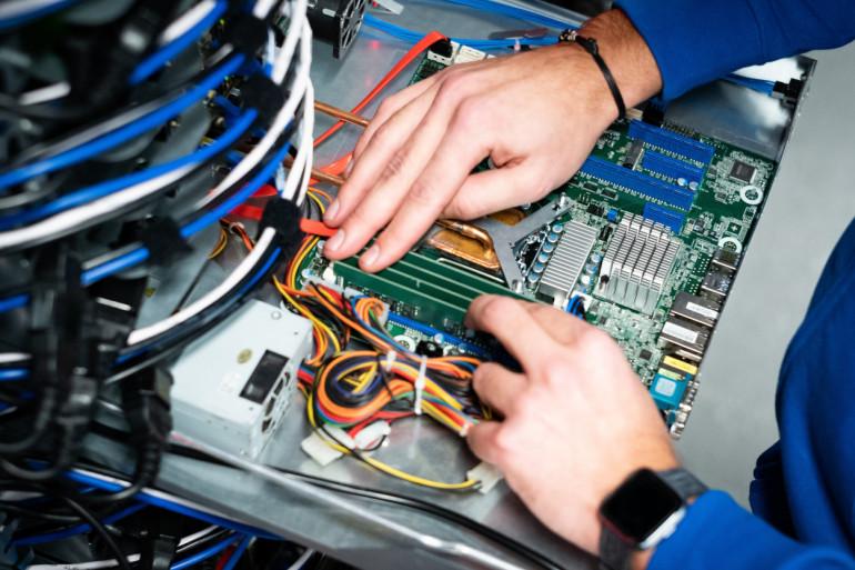 W kontrze do konkurencji. Czym OVHcloud zamierza podbić rynek serwerów VPS w Polsce?