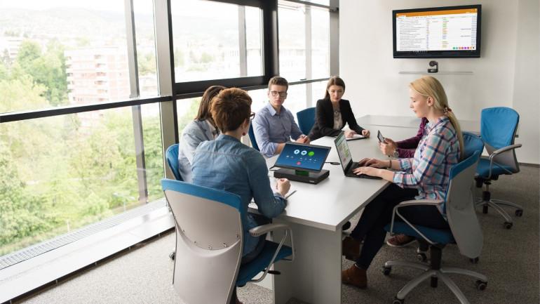 Wirtualne spotkania? ThinkSmart Hub 500 to urządzenie, które zmienia zasady gry