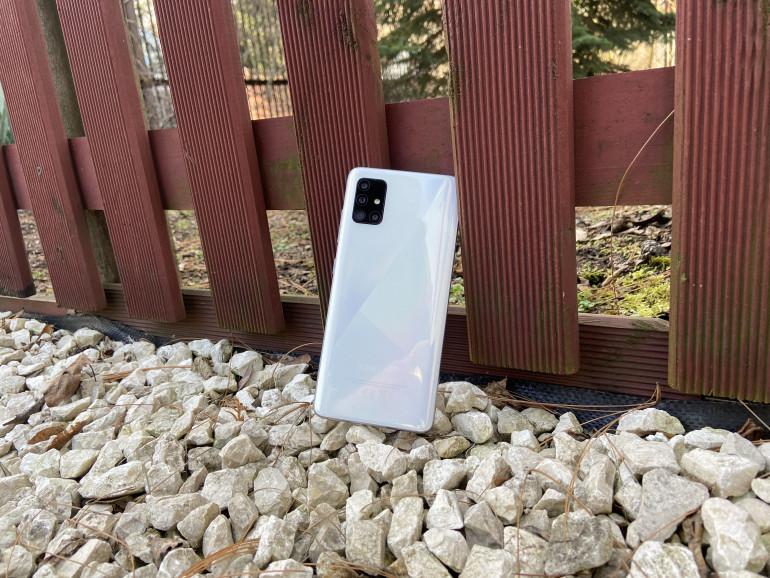 Samsung Galaxy A51 w kolorze białym