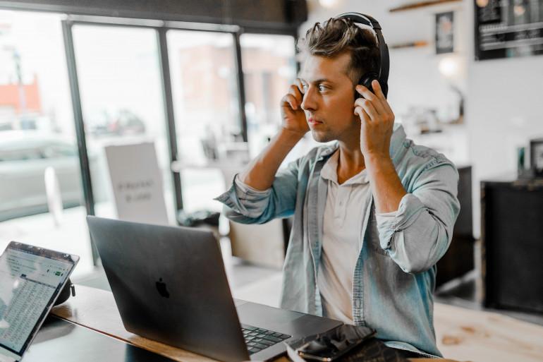 Darmowe audiobooki - skąd legalnie pobierać audiobooki za darmo?