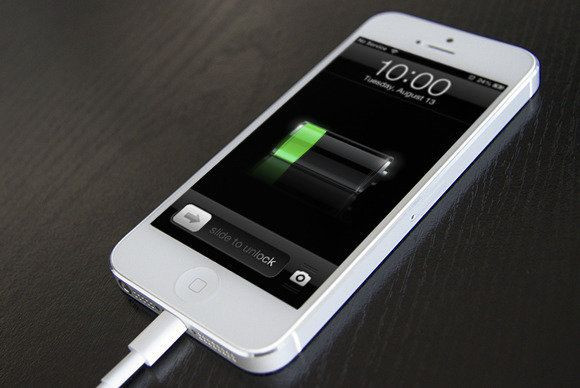 Ładujący się iPhone 5 z iOS 6