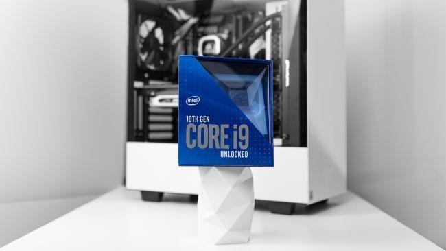 Procesor Intel Core i9-10900K w pudełku Źródło: Intel