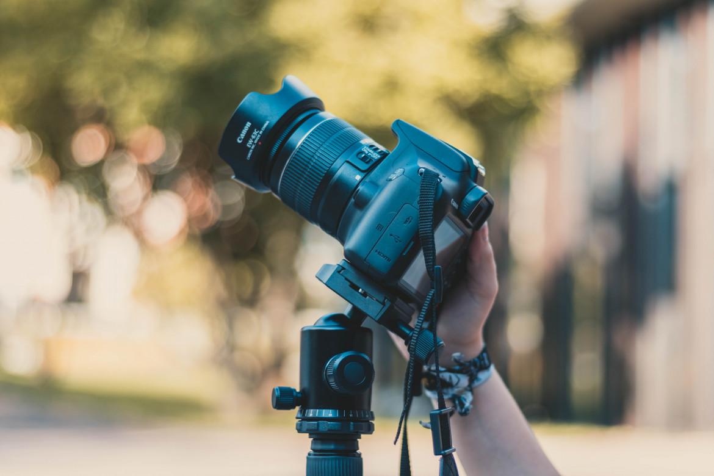 Jaki statyw do aparatu wybrać? Kilka praktycznych wzkazówek