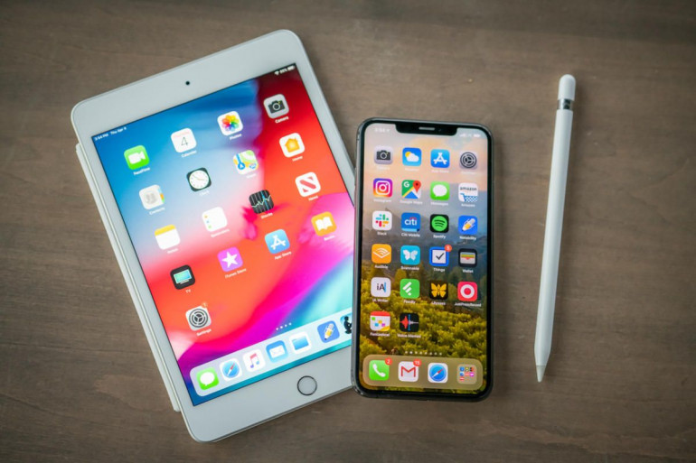 iPad mini 2019 i iPhone Xs Max