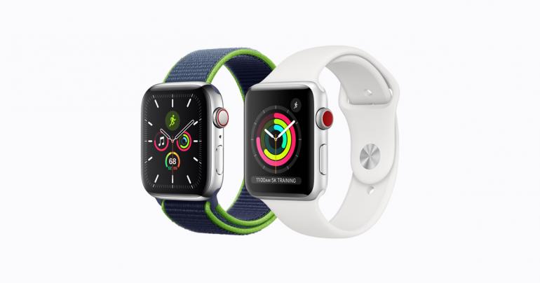 Apple Watch Series 5 (z lewej) oraz Apple Watch Series 3 (z prawej) - obecnie dostępne w sprzedaży zegarki od Apple