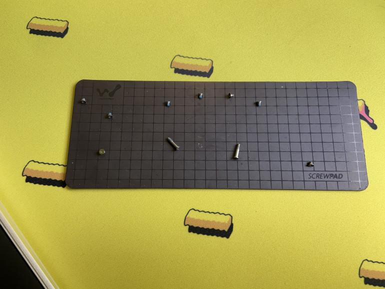 Śrubki obudowy MacBook'a Air 13