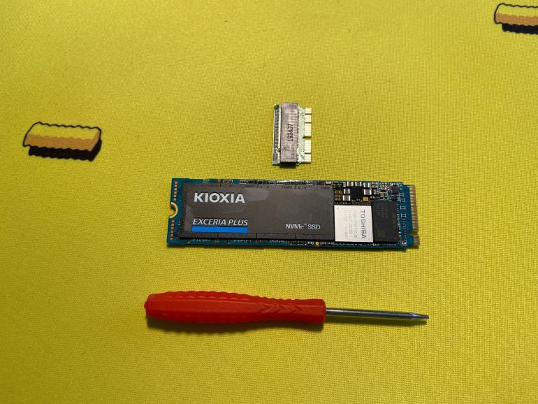 Konwerter, dysk SSD, śrubokręt P5 Pentabole