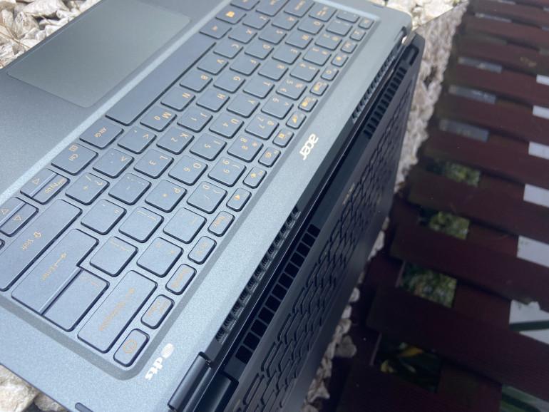 Wyloty powietrza w Acer Swift 5 SF514-55T