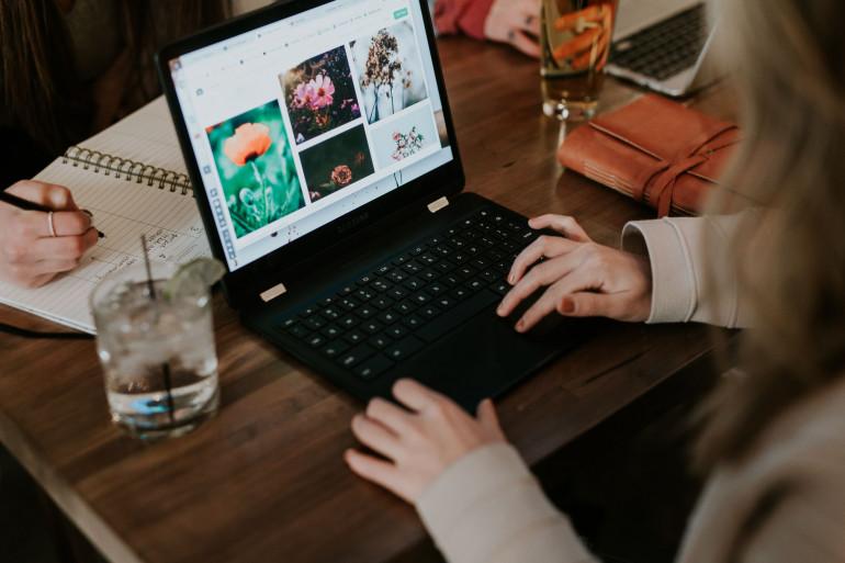 Zalałeś laptopa? Nie panikuj tylko działaj [Poradnik]