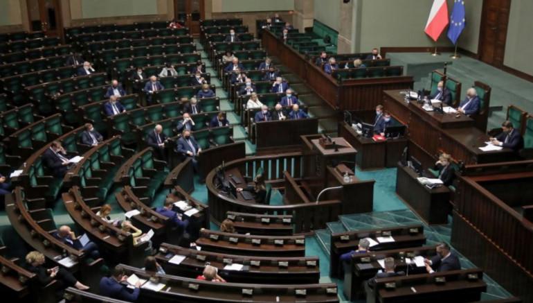 Sejm uchwalił ustawę o e-doręczeniach