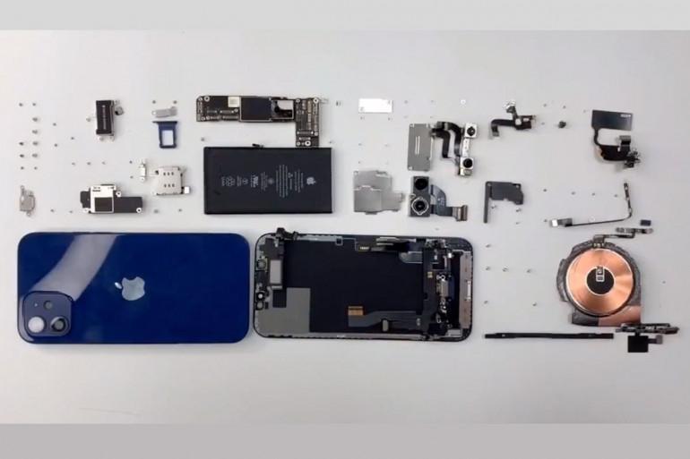 Rozebrany iPhone 12 Źródło: macworld.com