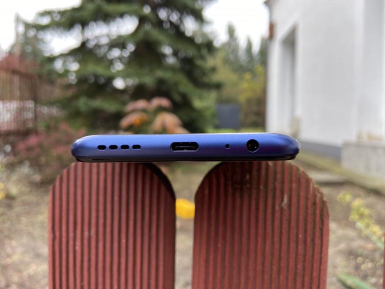 Głośnik, USB Typu C, mikrofon oraz gniazdo słuchawkowe Jack