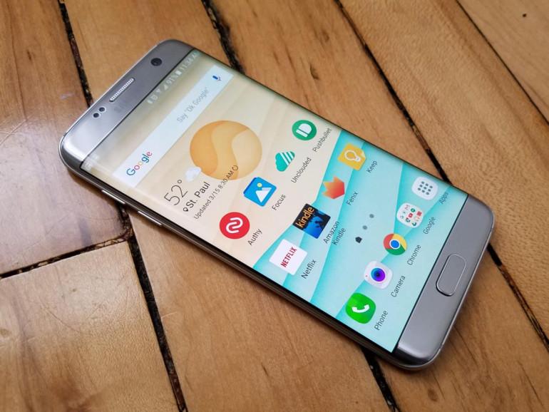 Samsung Galaxy S7 Edge Źródło: pcworld.com
