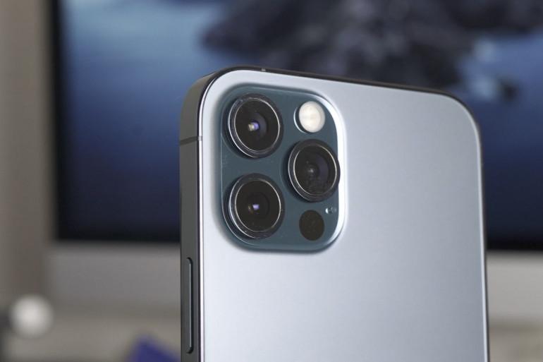 iPhone 12 Pro z LiDARem Źródło: macworld.com