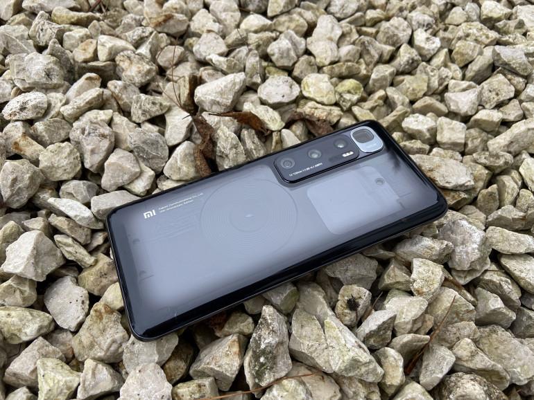 Charakterystyczne plecki Xiaomi Mi 10 Ultra