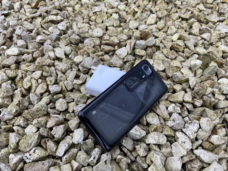 Xiaomi MI 10 Ultra z ładowarką