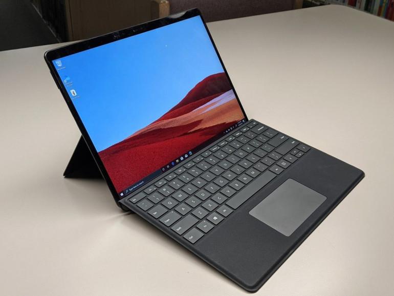 Surface Pro X z procesorem Microsoft SQ1 Źródło: pcworld.com