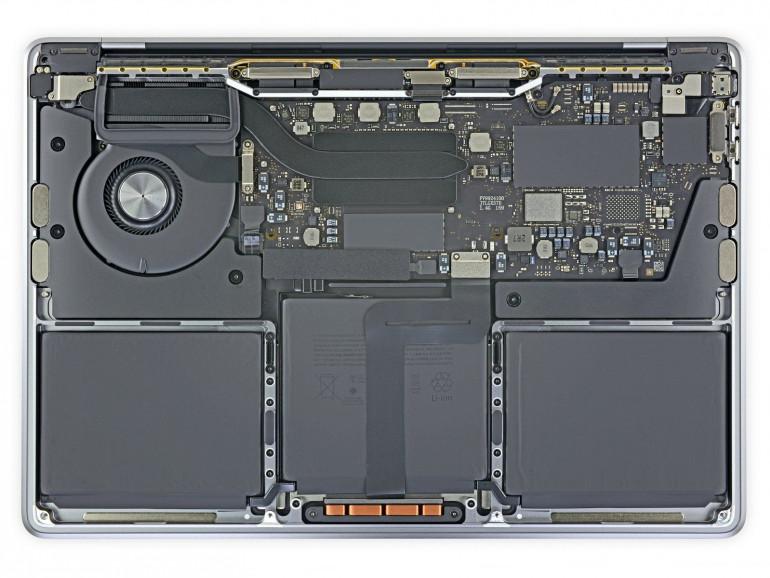 Rozebrany MacBook Pro z 2019 roku z procesorem Intel Źródło: ifixit.com