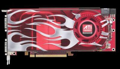 Radeon HD 2900 XT to karta długa (porównywalna pod tym względem z GeForce 8800 GTX). Wymaga zasilania przynajmniej z dwóch wtyczek 6-pinowych, choć ma gniazda 6- i 8-pinowe.