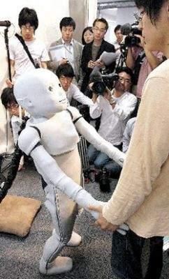 CB2 (źródło: www.wordpress.tokyotimes.org)