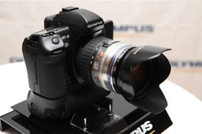 Olympus E-P1 (E-3?); źródło: www.slrclub.com