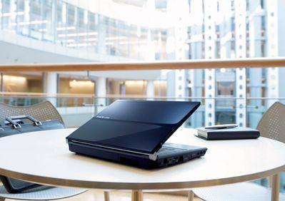 12 cali i 10 godzin pracy, czyli notebook Fujitsu na Penrynie