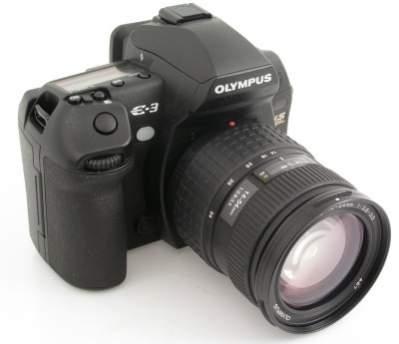 Olympus E-3 to lustrzanka profesjonalna, ale jej cena nie powinna odstraszyć zaawansowanych fotoamatorów.