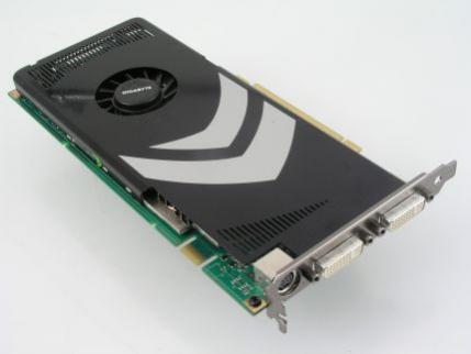 Kupując kartę z procesorem GeForce 8800 GT pamiętajcie, że do stabilnej pracy wymaga naprawdę dobrze chłodzonej obudowy