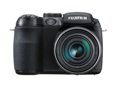 Nowy kompakt Fujifilm z zoomem 12x