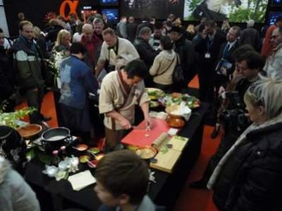 FILM FOTO VIDEO 2008 - na stoisku Sony można skosztować sushi