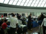 Uczestnicy 24-godzinnych zawodów WIF 2004 rozstawiają się